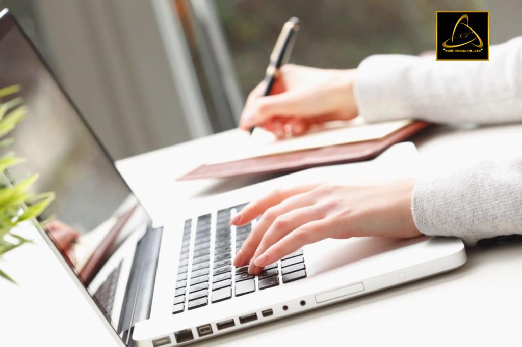 Tại sao Doanh nghiệp cần thuê viết bài seo cho website
