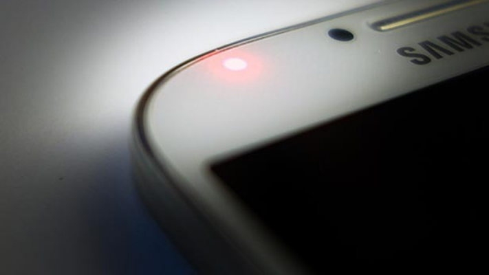 Đèn LED thông báo trên Android