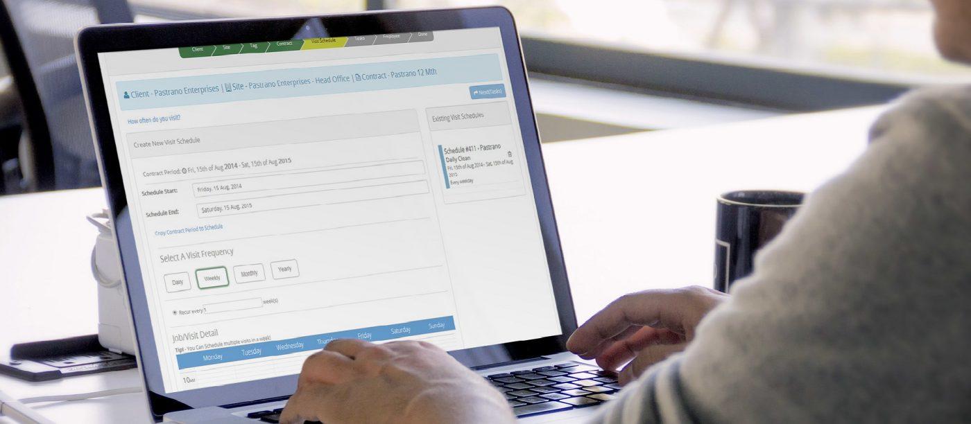 Vì sao các Doanh nghiệp nên thuê dịch vụ quản trị website hơn là tự quản trị?